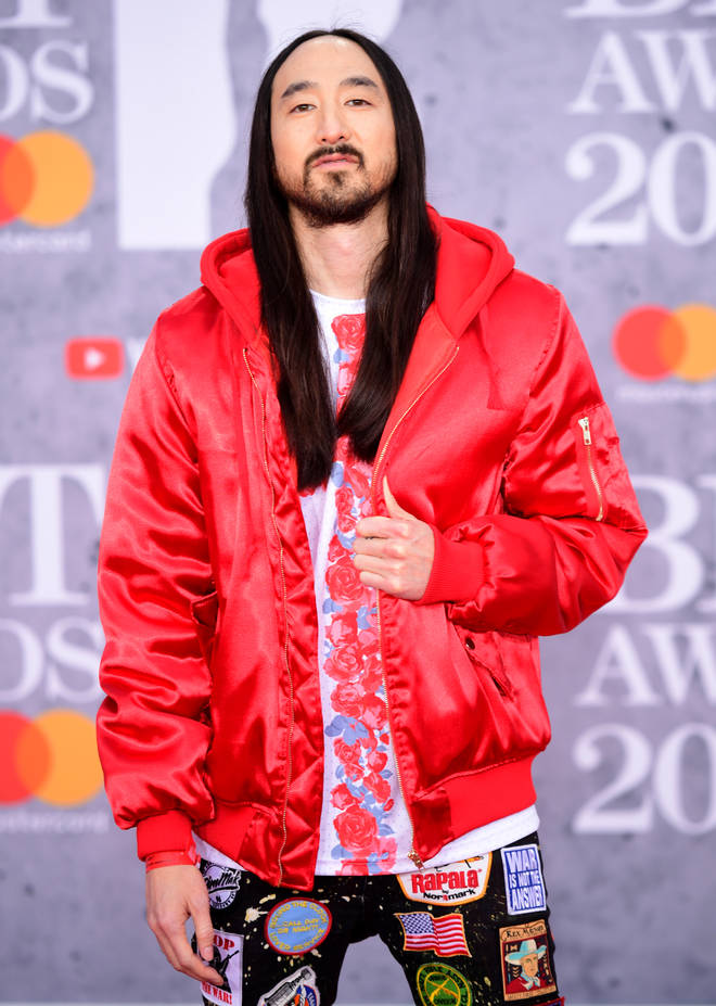 Steve Aoki rocks the BRITs red carpet for the first time