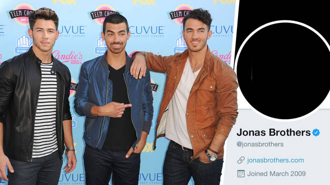 The Jonas Brothers have raised rumours that they're reuniting after they blacked out their social media