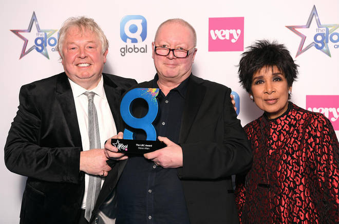 Steve Allen wins the LBC award at The Global Awards 2019 with Very.co.uk