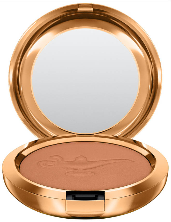 The bronzer has been decorated with the Genie's magic lamp