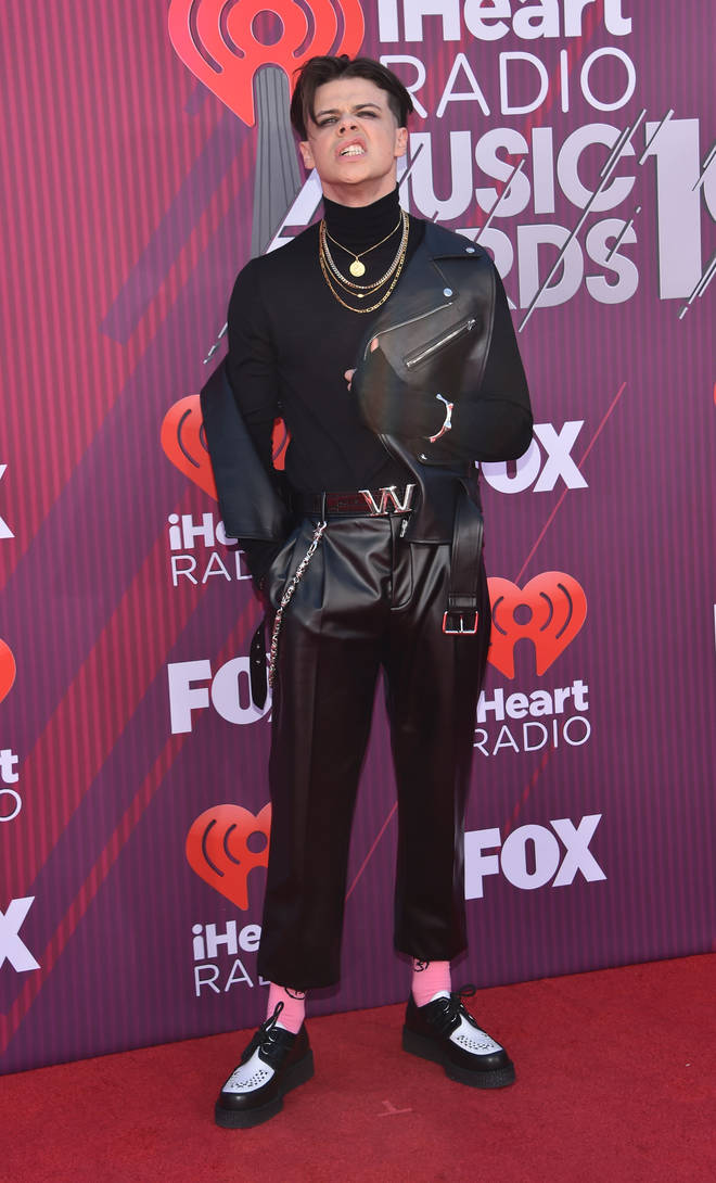 He scrubs up alright on the red carpet! Yungblud rocked Alexander Wang at the iHeart Radio awards in LA.