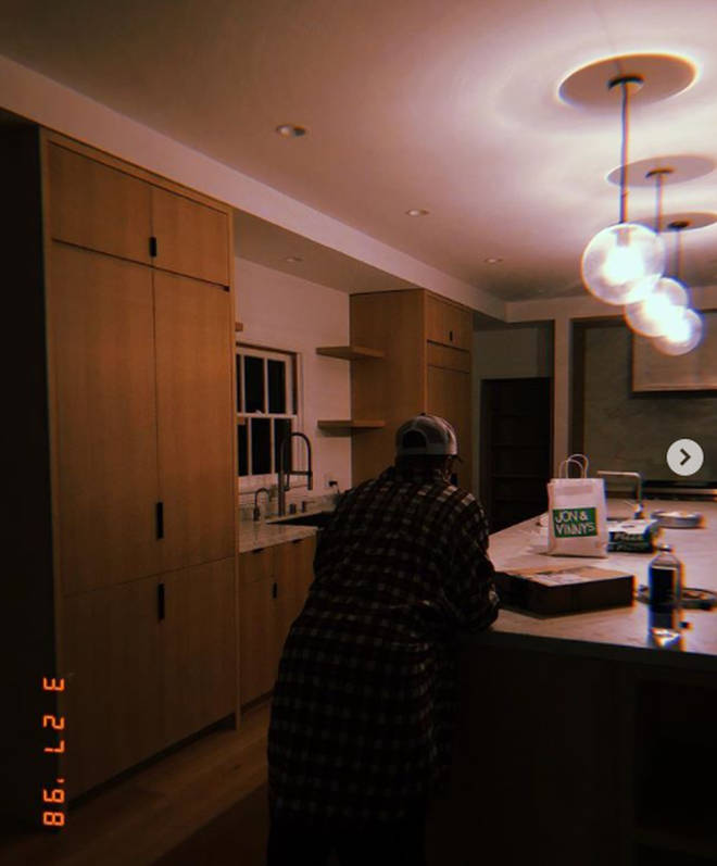 Here's what Justin Bieber's actual kitchen looks like.