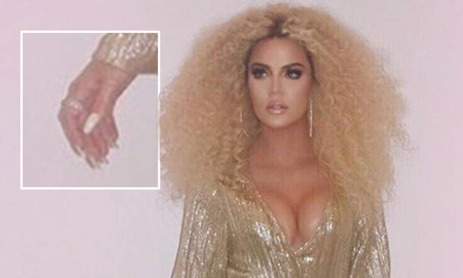 Khloe Kardashian accidentally gave herself a lot more than 5 fingers on each hand