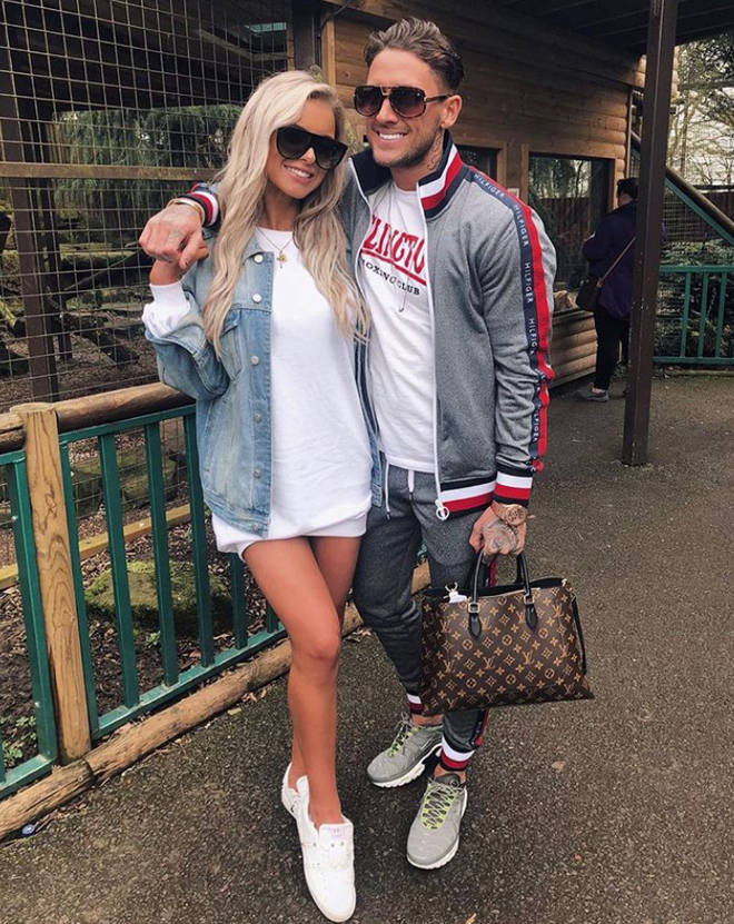 Stephen Bear split form his girlfriend at the end of 2018