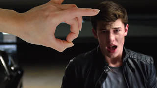 """Fans are """"flicking"""" Shawn Mendes in his 'Stitches' music video"""