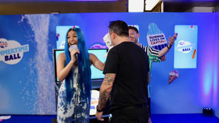 Mabel pied someone backstage at the #CapitalSTB