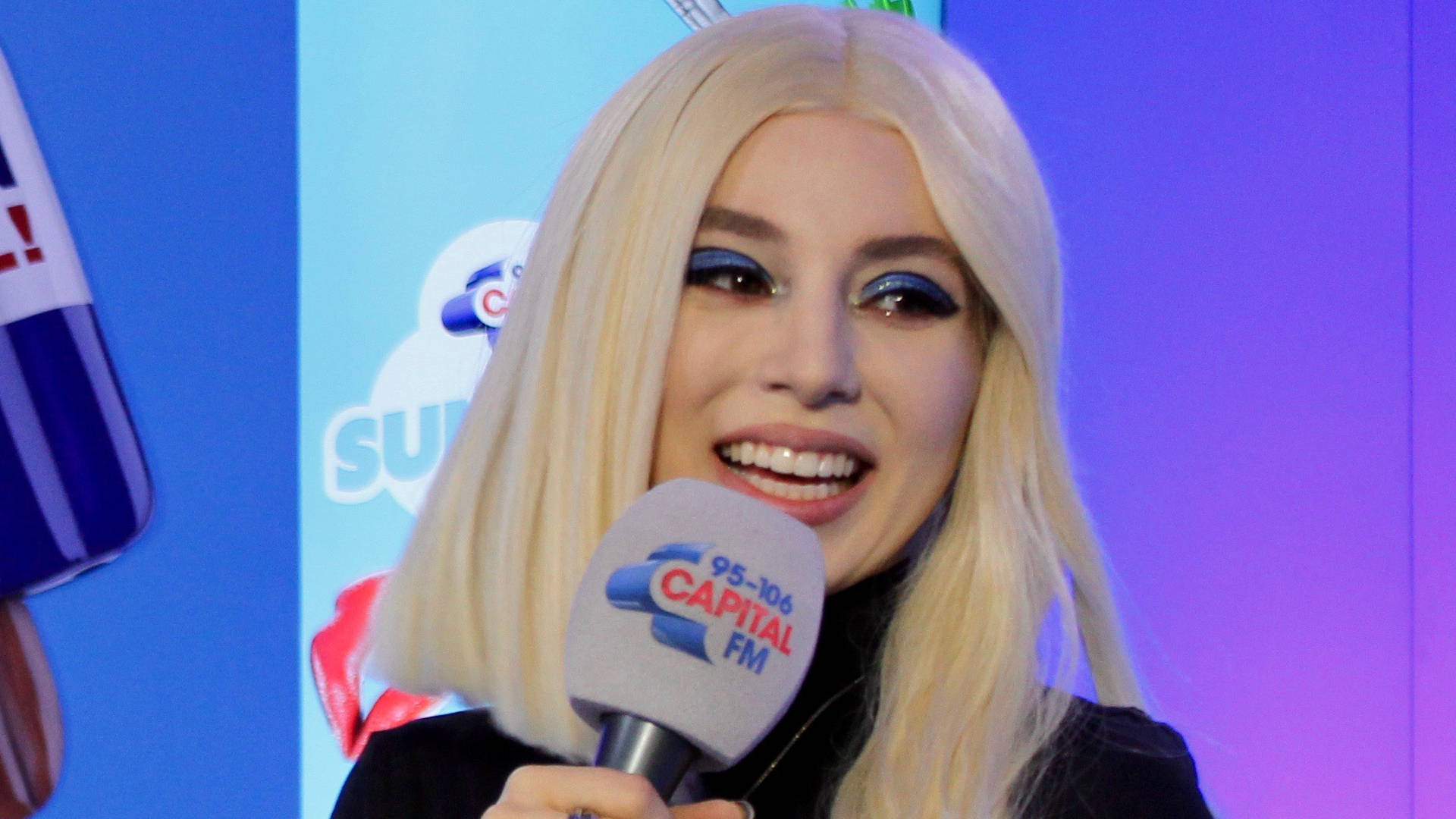 WATCH: Ava Makes Calls 5 Seconds Of Summer The Most Psycho #CapitalSTB Ballers