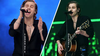 5SOS couldn't have made it  look 'Easier' for their Summertime Ball set