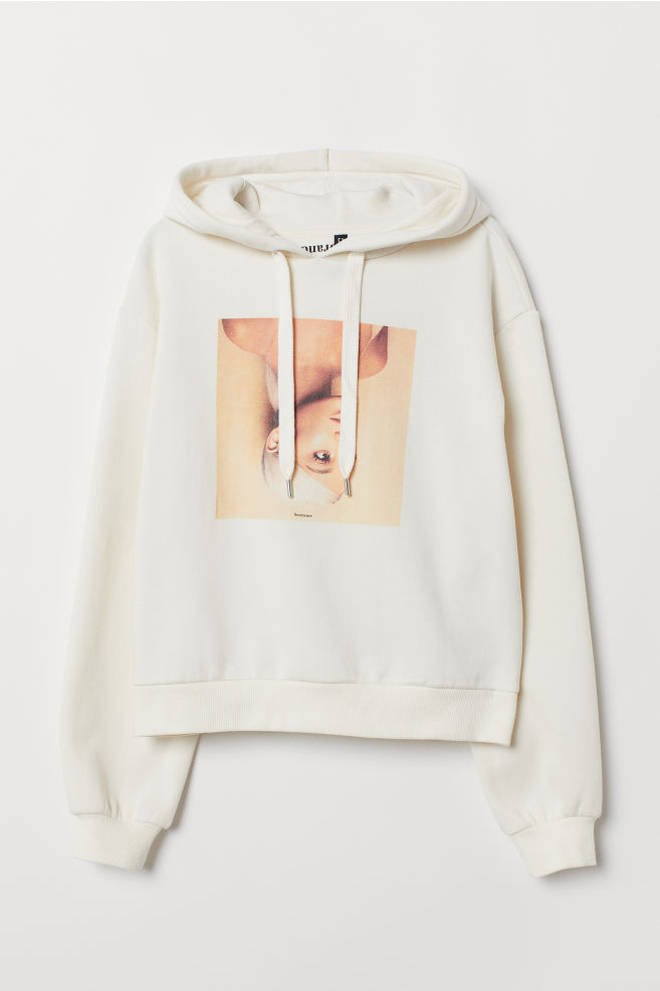 You can rock Ariana Grande's oversized hoody style with this cosy white jumper