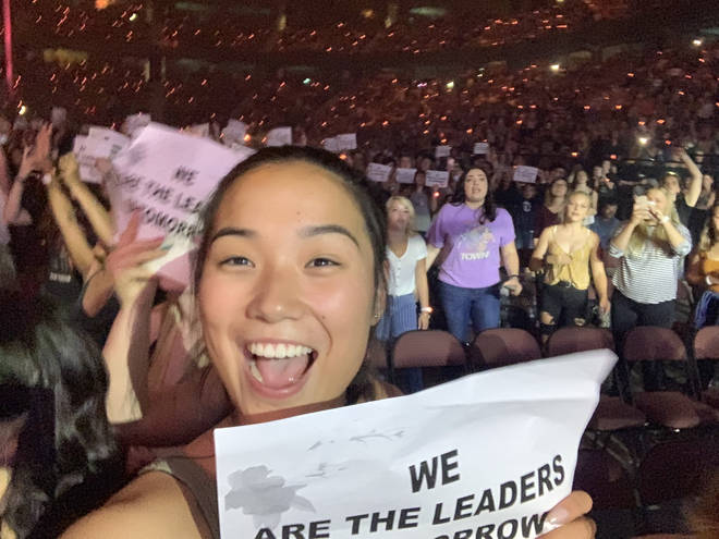 Shawn Mendes fans holding up messages during 'Youth'