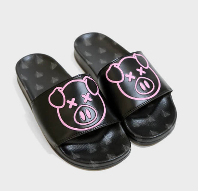 The sliders also bare the iconic pig logo