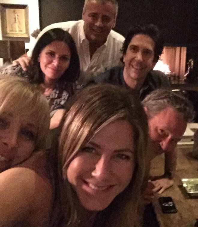Jennifer Aniston broke the internet with this reunion selfie