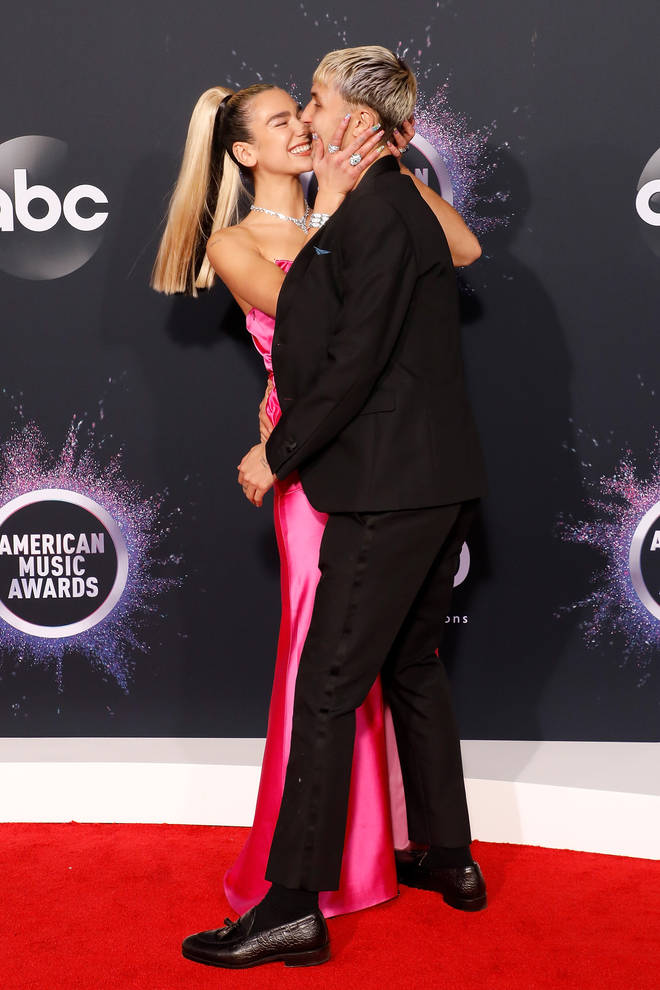 Dua Lipa and Anwar Hadid were all over each other at the AMAs